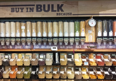 Whole-Foods-Shopping-the-Bulk-Bin